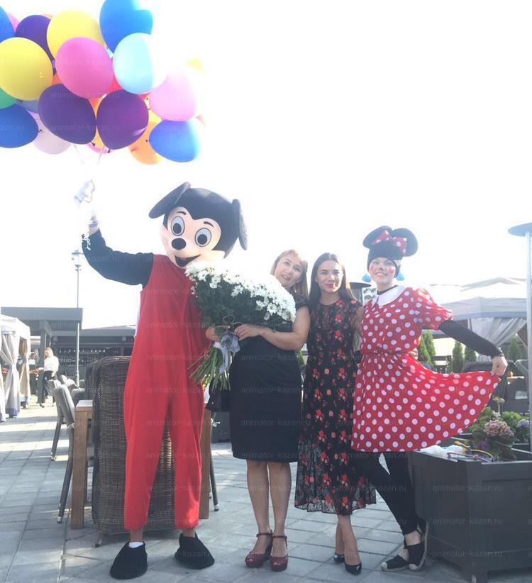 Отзыв о экспересс поздравлении с Минни Маус и ростовой куклой Микки Маус от animator-kazan.ru
